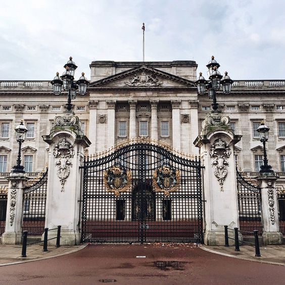 buckingham palace in London London 48 hours