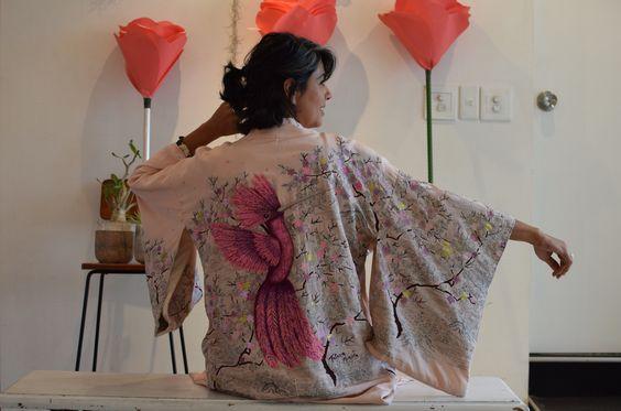 Chaqueta de Kimono pintada a mano, para la colleción de Hanami. Exposición realizada en la galeria Zava en Tokio, Japón.