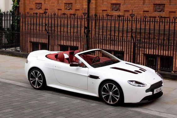 Aston Martin V12 Vantage Roadster se presenta
