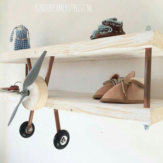 Airplane shelf! Repinned by Apraxia Kids Learning. Come join us on Facebook at Apraxia Kids Learning Activities and Support- Parent Led Group. https://m.facebook.com/groups/354623918012507?ref=bookmark