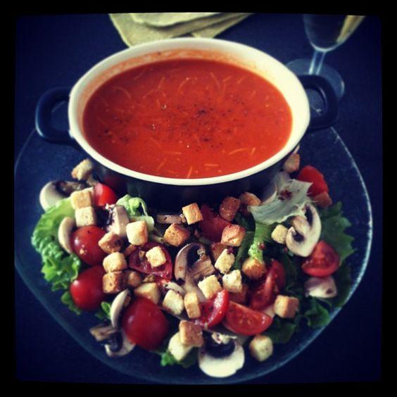 Soupe vermicelle et petit salade rafraichissante.