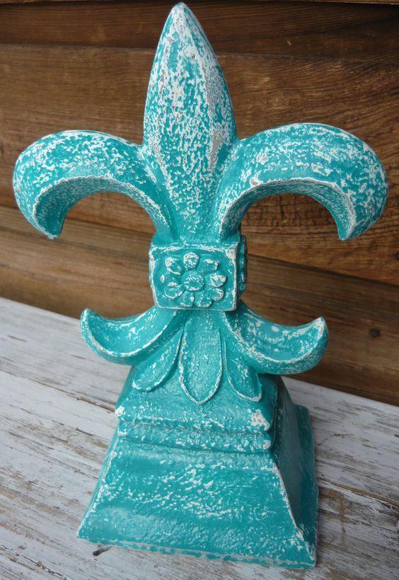 Turquoise Fleur de Lis