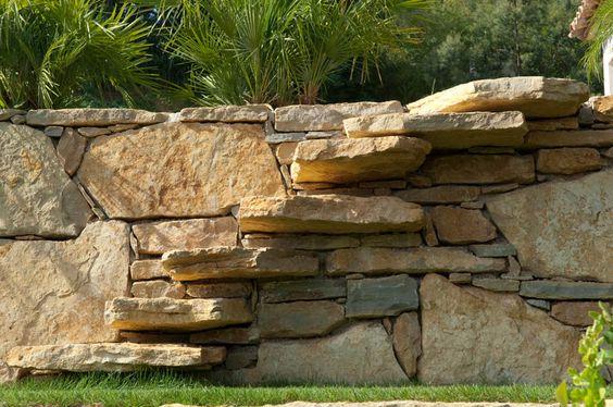 escalier en pierres naturelles  enrochement et escaliers en pierres