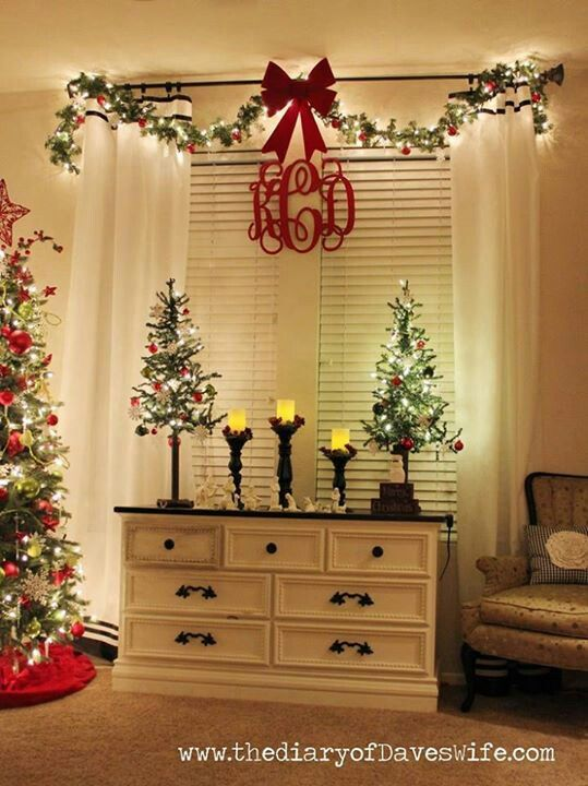 Garlands initials and window on pinterest for How to decorate living room window for christmas