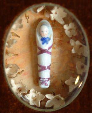 http://www.carmeldollshop.com/category/johndarcy/antique/framedvotdet2ful.jpg