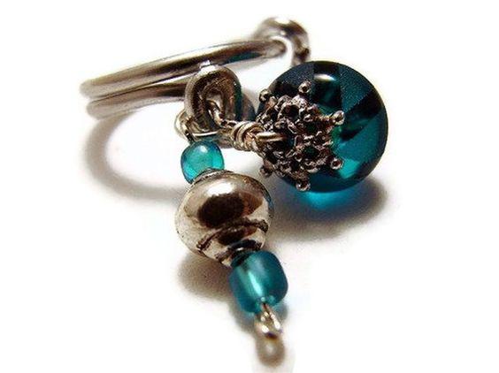 Blue Glass Bead Aluminum Wire Ring van artelemental op Etsy