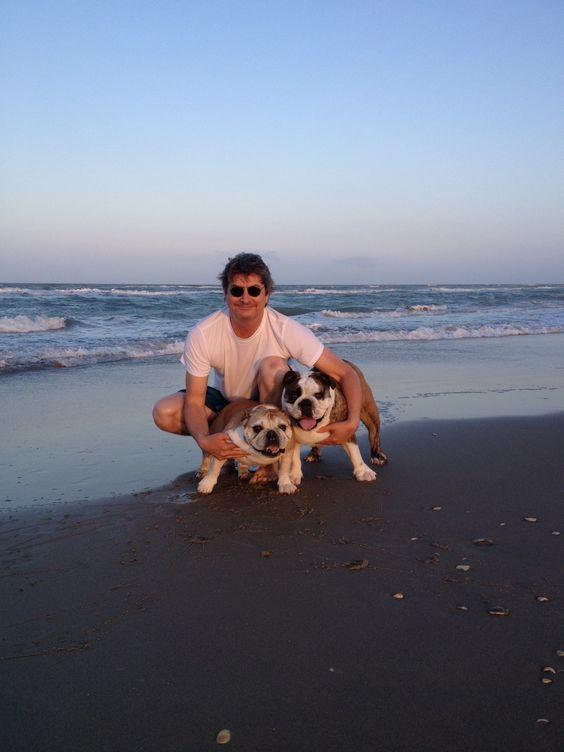 Betty Boop & Bazooka Joe beach bums.
