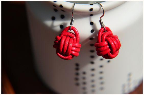 """Ohrhänger - """"Monkey Fist Knot"""" Ohrhänger Knoten Leder rot - ein Designerstück von A-Little-Fashion #fashion #inspiration #trend #fall #winter #summer #spring #pantone #frühjahr #sommer #herbst #style #outfit #ootd #filizity"""