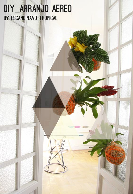 hanging ball planters (english language translation option is a button on the page) PLANTAS SUSPENSAS T