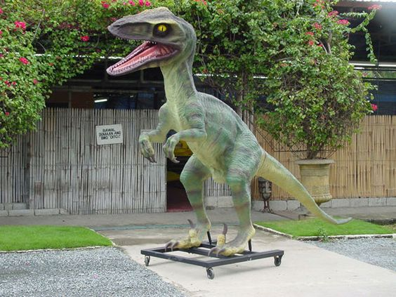 Awesomely realistic dinosaur garden statues DinosaursWhere