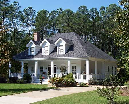 House plans southern style and southern home plans on for Low country house plans with porches