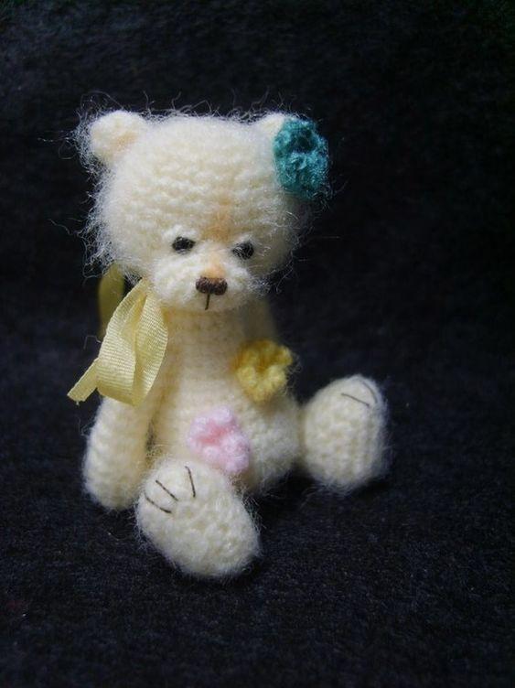 Miniature Thread Crochet Flower Bear Pattern PDF by thetinytoybox