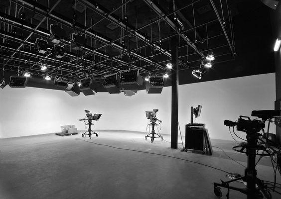 1.-TPI-Sound-Stage-lr