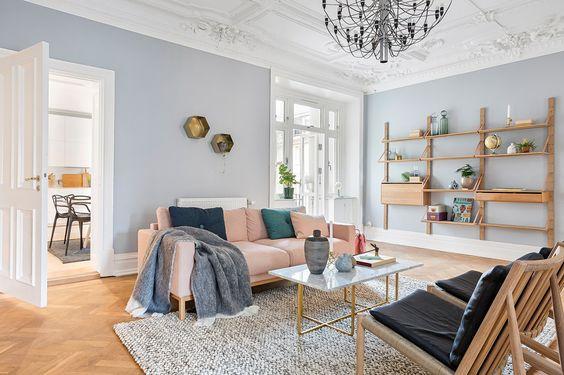 Shop the look: stijlvolle woonkamer met frisse pasteltinten - Roomed