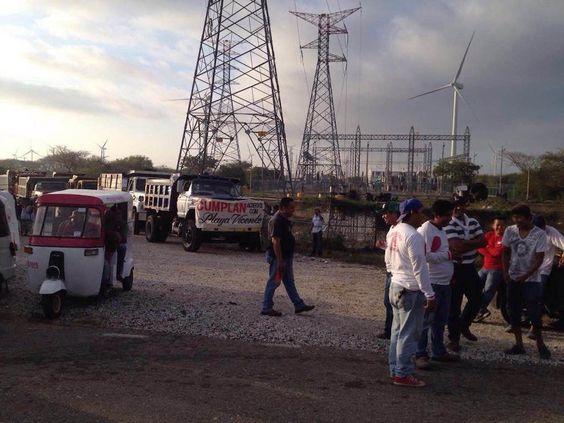 Bloquean parque eólico en Juchitán.