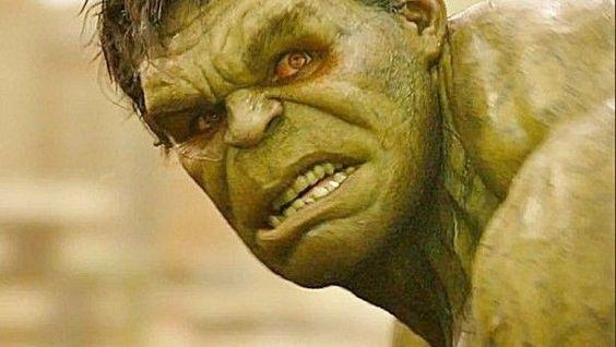 Avengers 2:  Hulk doveva diventare grigio nella scena con Hulkbuster