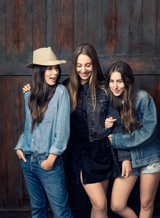 Check Out Haim Rocking Their Vintage Store Finds Black Booties And Levi 39 S In This Week 39 S
