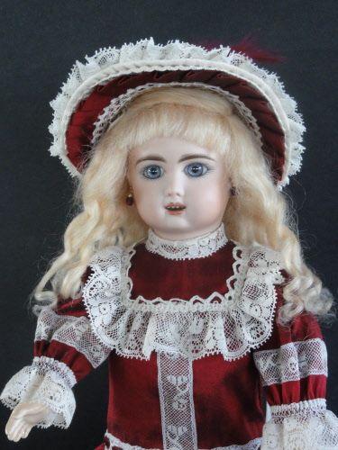 http://www.georgettebravot.com/contents/fr/p2115_poupee_bleuette_reproduction.html