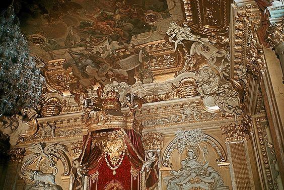 http://www.stadtbild-deutschland.org/forum/index.php?thread/6449-die-preußischen-throne/