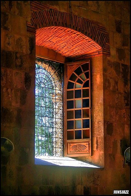 "Image by junsjazz   ""Art is the window to man's soul. Without it, he would never be able to see beyond his immediate world; nor could the world see the man within."" ~~Claudia Johnson  (via beautiful-portals)"