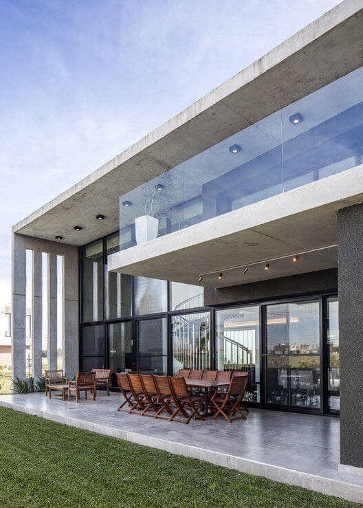 Exemple De Balcon Similaire A Astoria Condo Architecture De