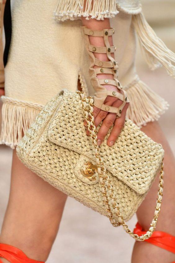 Chanel детали | Коллекции весна-лето 2018 | Париж | VOGUE