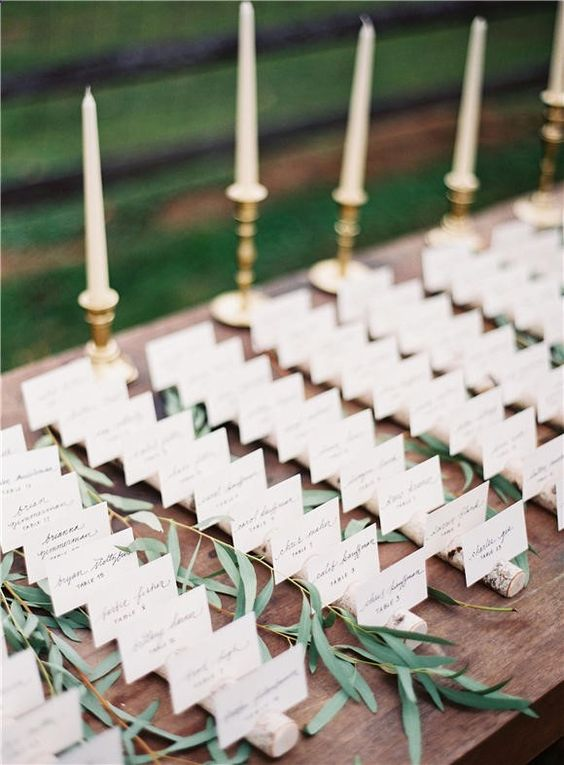 40 Wedding Place Cards You Wonâ??t Want to Put Down#picture