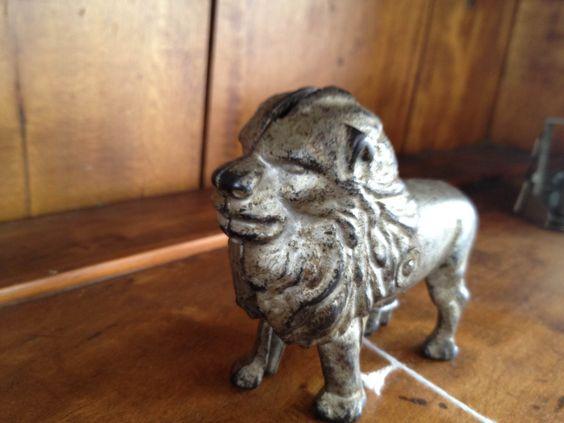 bklyn contessa :: brimfield find :: cast iron lion