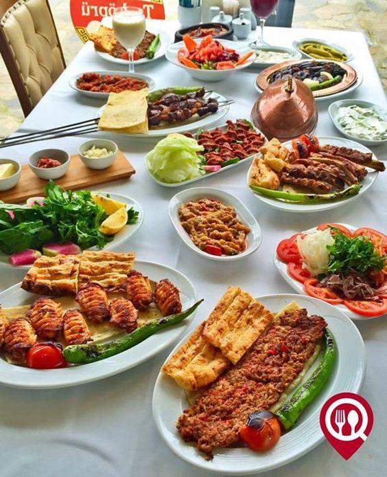 Şiş Kebap, Brochetas de Carne picada, Turquía