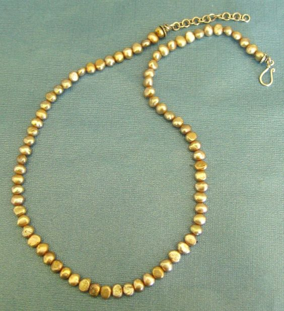 Lovely Vintage Champagne Fresh Water Pearl Necklace