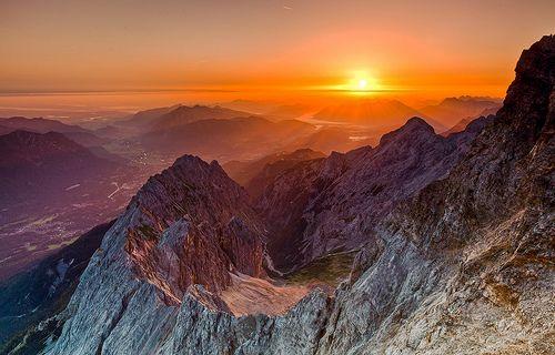 Sunset on the Jubiläums Ridge from Zugspitze to Alpspitze.