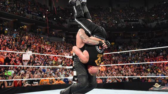 Resultados de WWE Raw, Ago. 17, 2015: Undertaker arruina el regreso a casa de Lesnar y Cena le hace una promesa a Rollins | WWE.com