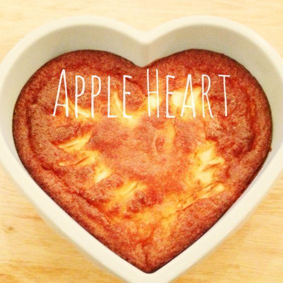 Le gateau au yaourt, aux pommes, aux amandes et parfumé à la fleur d'oranger | The Happy Cooking Friends