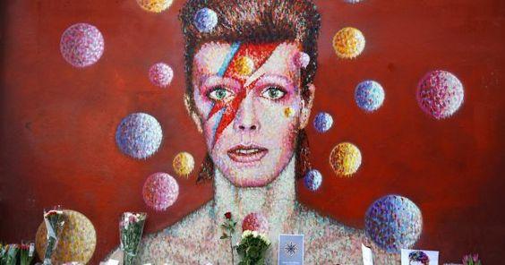 Cantor, compositor, músico, ator, artista, ícone da moda... difícil definir David Bowie, então decidimos homenageá-lo.