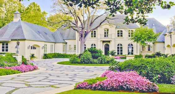 Beautiful Motor Court, French style home, Dallas