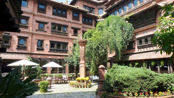 """""""um museu cercado de jardins e um repositório arquitetônico com todas as amenidades e conforto modernos."""""""