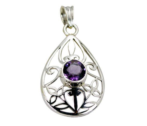 #uae #selenagomez #decoration #niece #hkig #Riyo #jewelry #gems #Handmade #Silver #pendant http://www.voonik.com/online-store/riyo-gems