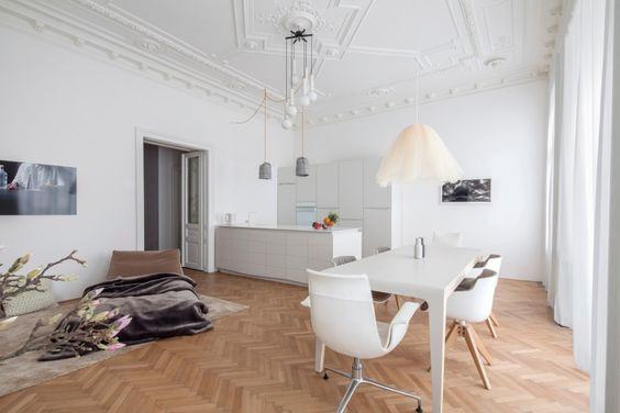 Classic Apartment in Vienna Embraces Contemporary Living - http://freshome.com/classic-apartment-vienna/