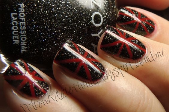 Red Hot Chilli Peppers Nails http://polishaddictionn.blogspot.com.br/2013/05/red-hot-chilli-peppers-nails.html