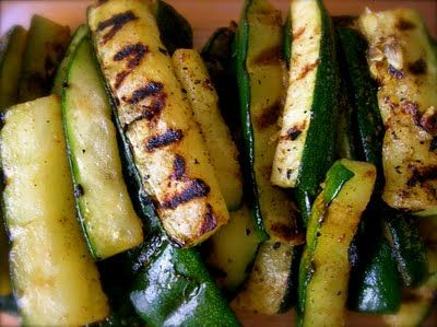 How to make perfect Grilled Zucchini--yippee! Just in time for fresh veggies and our to-be-exchanged propane tank is already in my wagon!