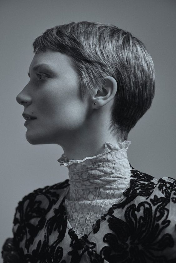 Mia-Wasikowska-Flaunt-Magazine-2015-Cover-Photoshoot04