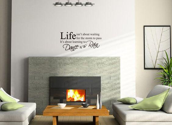 een mooi vormgegeven muursticker met daarop een inspirerende tekst