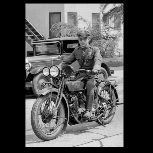 Vintage Indian Motorcycle Cop Photo 1930s Los Angeles Police Officer Indian Motorcycles For Sale At Th Vintage Indian Motorcycles Indian Motorcycle Cafe Racer