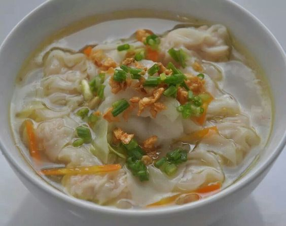 Pancit Molo / Filipino Wonton Soup | Home Cooking Rocks | Pinterest ...