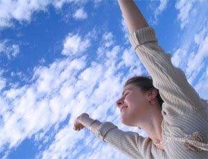 5 consejos para llevar una vida saludable y plena  Para tener un cuerpo sano, lleno de energía para hacer frente a las prisas de la vida cotidiana, y mantenerlo lejos del estrés físico y emocional, se necesita una inversión de nuestra parte. Por ello en este artículo le daremos algunos consejos para una vida saludable tanto en cuerpo como en mente.