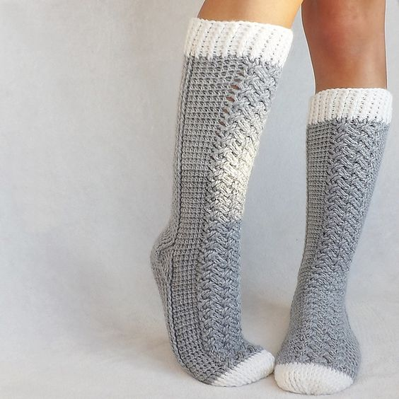 Parker Cable Socks pattern by Lakeside Loops Cable ...