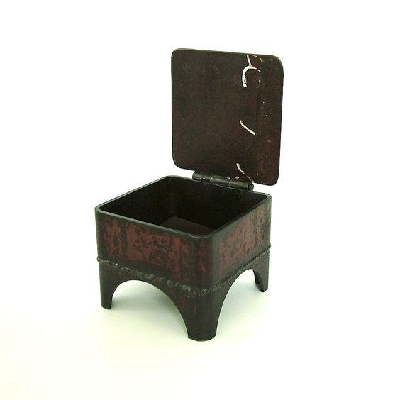 Rusty Reliquary: Industrial Jewelry Box