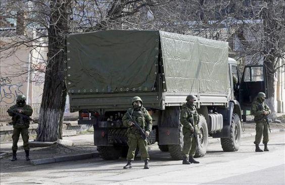 Ucrania pone en estado de máxima alerta de combate a sus unidades militares
