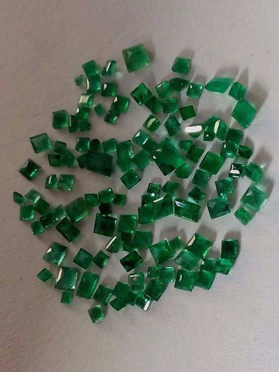 5.05 Cts Natural Emerald Loose Gemstone Brazilian Square Shape Ring Size  #Unbranded