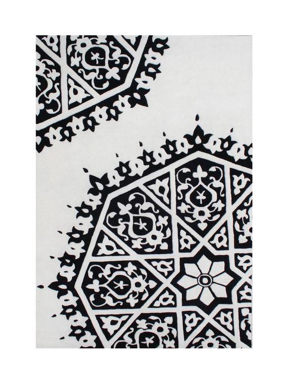 Wasco Hand-Tufted White/Black Area Rug